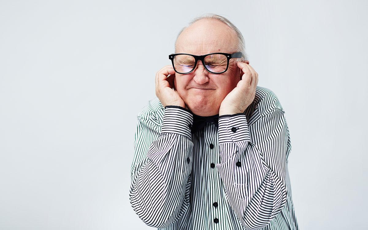 Почему свистит слуховой аппарат?